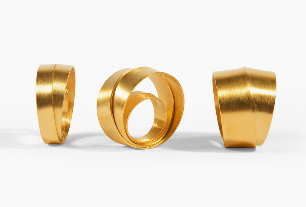 Rings <em>Dreh dich...rundherum</em> [turn around ... all around]. 750 yellow gold. Or in white gold, 925 silver, silver gold plated. Available in three sizes. 269–3979&nbsp;Euro.