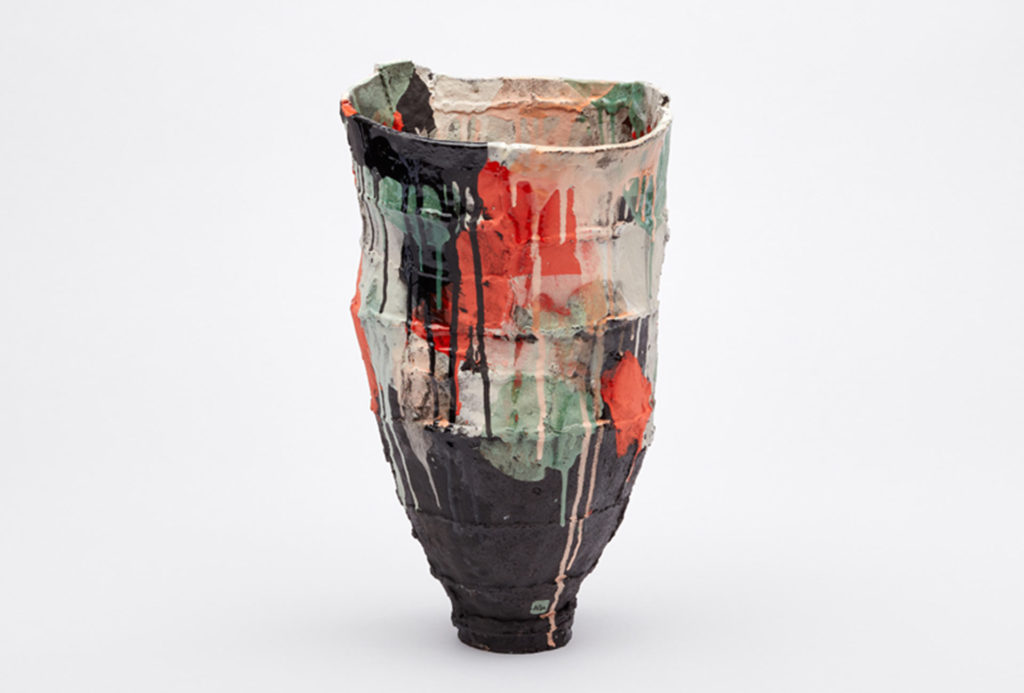<em>Vanellus vanellus</em>, vase from the <em>Hallstattpiece</em> series, 2018. Terra Nigra clay, coloured slips, glaze, photo Christoph Kremtz.