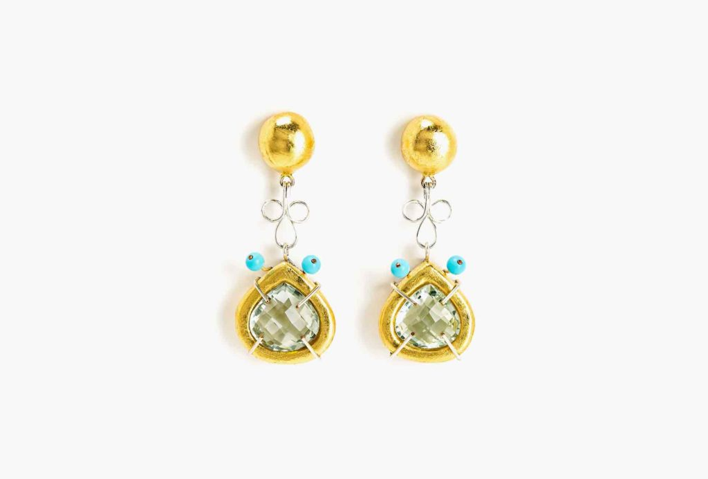 Earrings <em>Gravitas</em>, 2018. Paper-mâché, gold 750, silver-plated copper, green amethysts, turquoise paste, gold leaf 22kt.