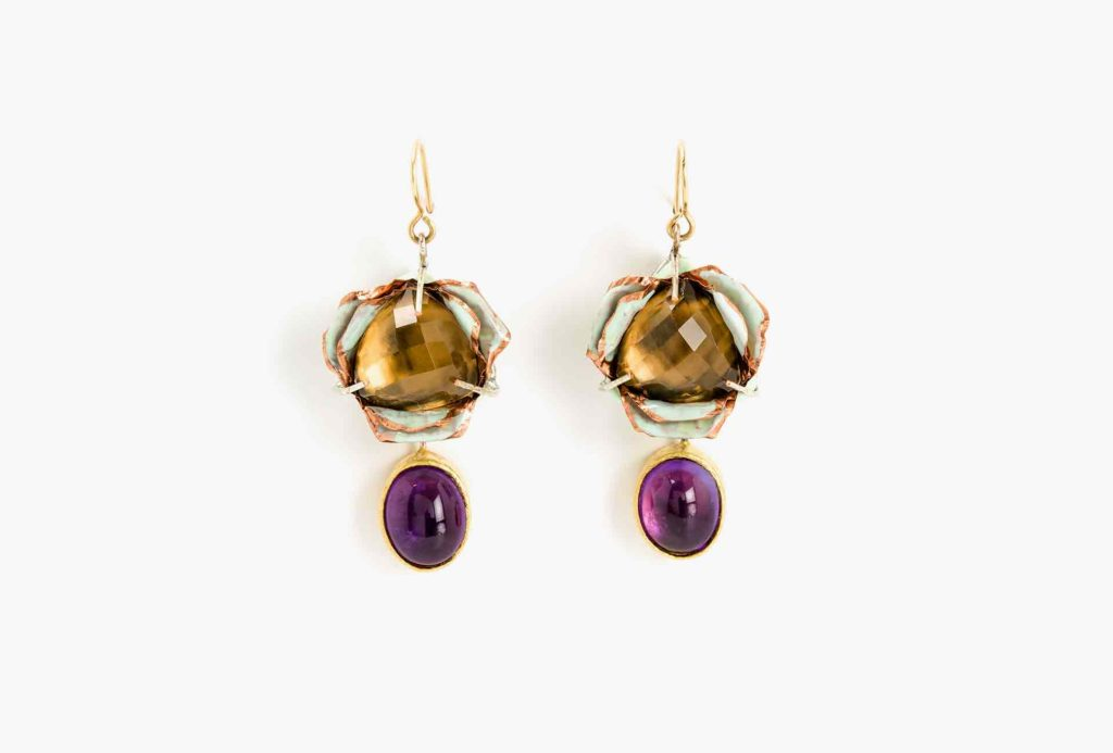 Earrings <em>Tulgo</em>, 2018. Paper-mâché, gold 750, silver-plated copper, copper, smoky quartz, amethysts, paper, gold leaf 22kt.