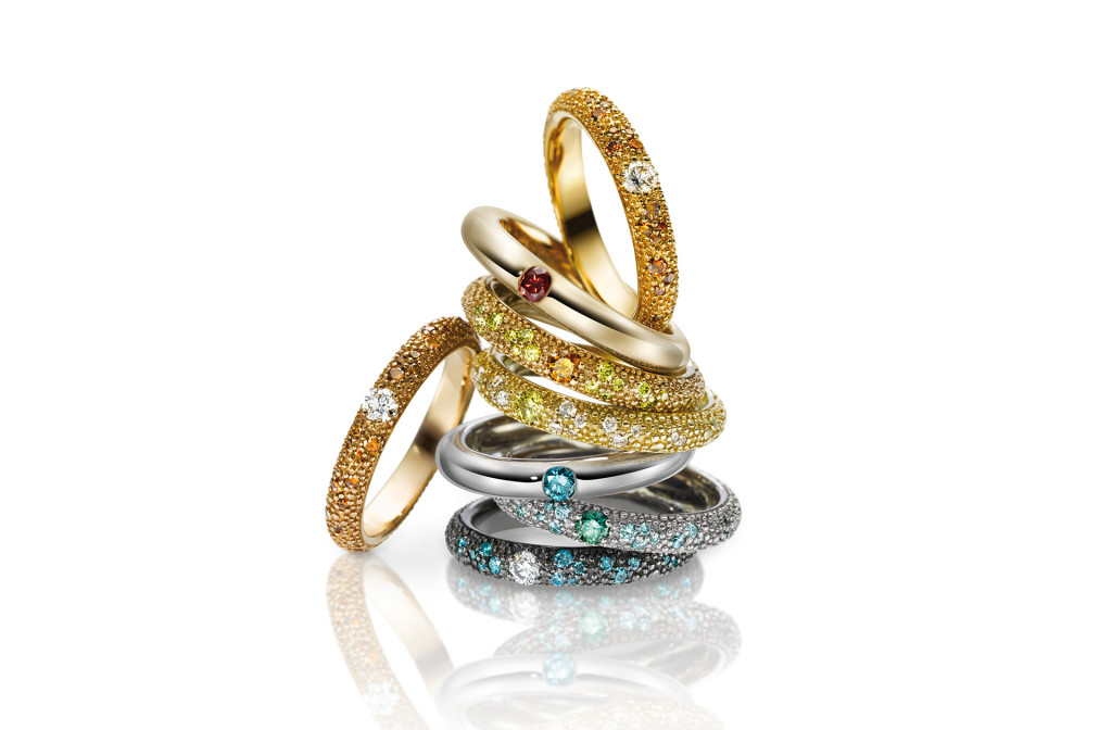 Rings from the series <em>8 shades</em>. 750 gold, Gellner Northern Light Diamonds, 8,88 ct/18 ct