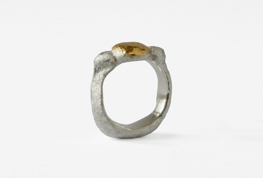 Ring. Silver 925 and fine gold