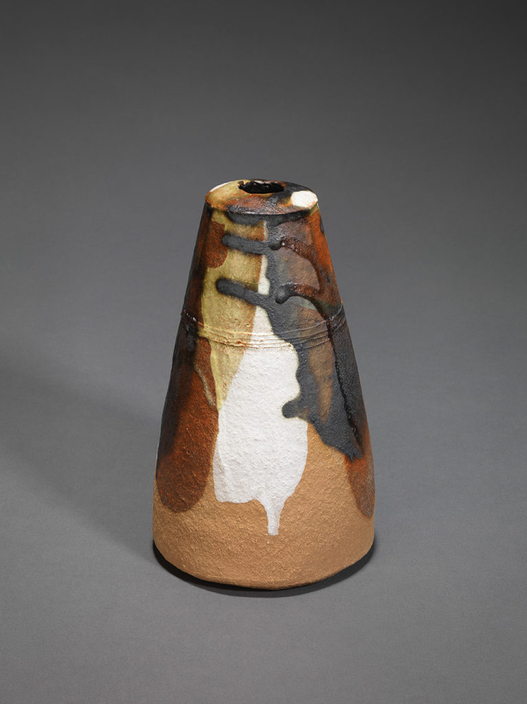 Small opening jar. Glaze: manganese ore, kaolin, copper carbonate, hawthorn ash, H 18.2 cm, D 10.2 cm.