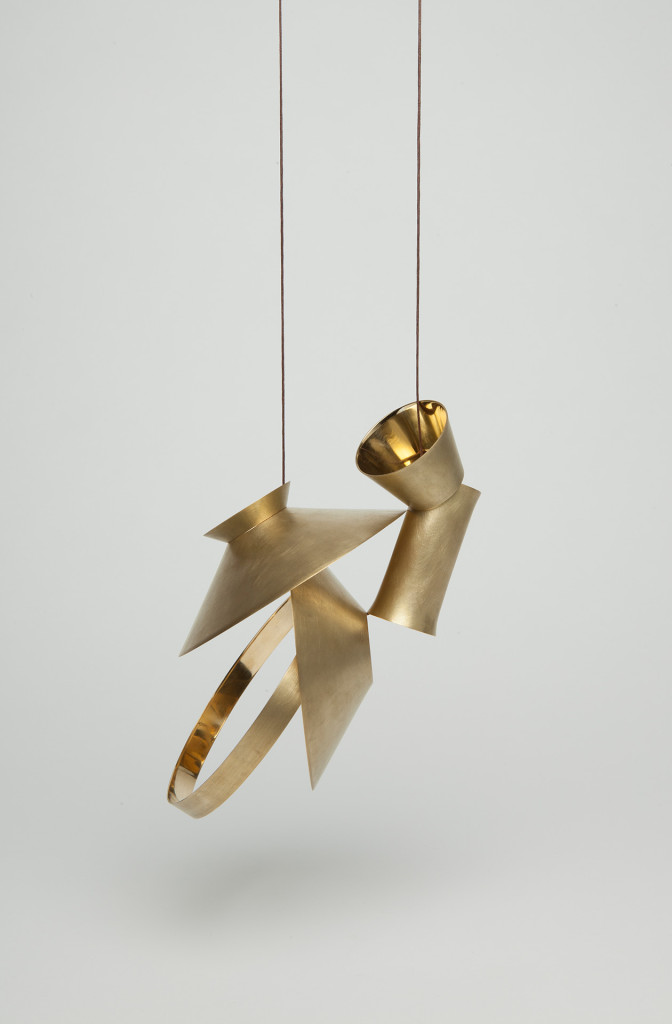 Jing Yang, Necklace <em>Ich bin keine Vase</em>. Necklace, brass, cotton cord, 15 × 10 × 76 cm.
