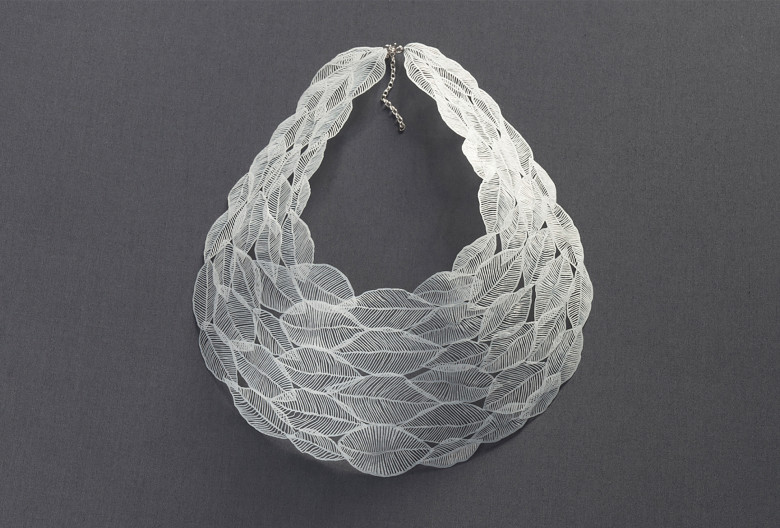 <em>Weiße Blätter</em> (white leaves) necklace. Polyethylene.