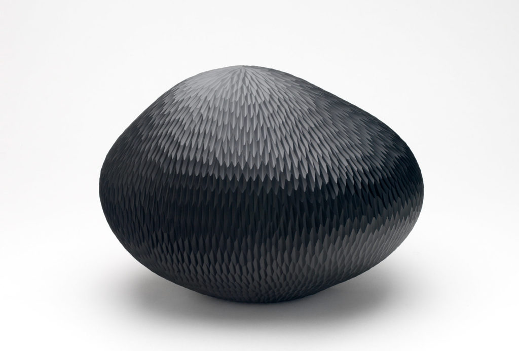 <em>Galaxy</em> urn, 2016. Glass, H 21 x 30 x 30 cm