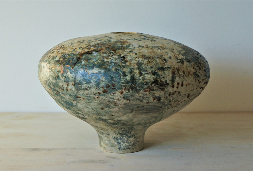 Large spherical shape, height approx. 35 cm, diameter approx. 50 cm.