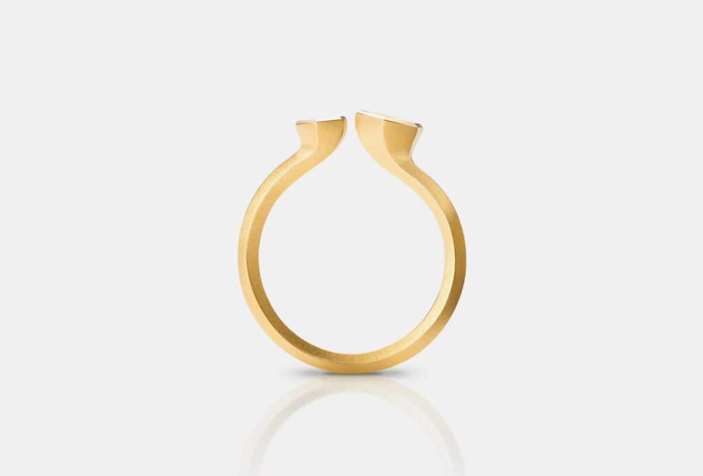 <em>Transitions</em> ring <em>No2</em>. Fairtrade gold
