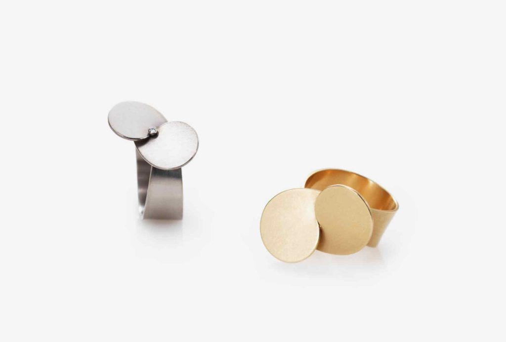 <em>Propeller</em> rings. White gold, diamond, rose gold